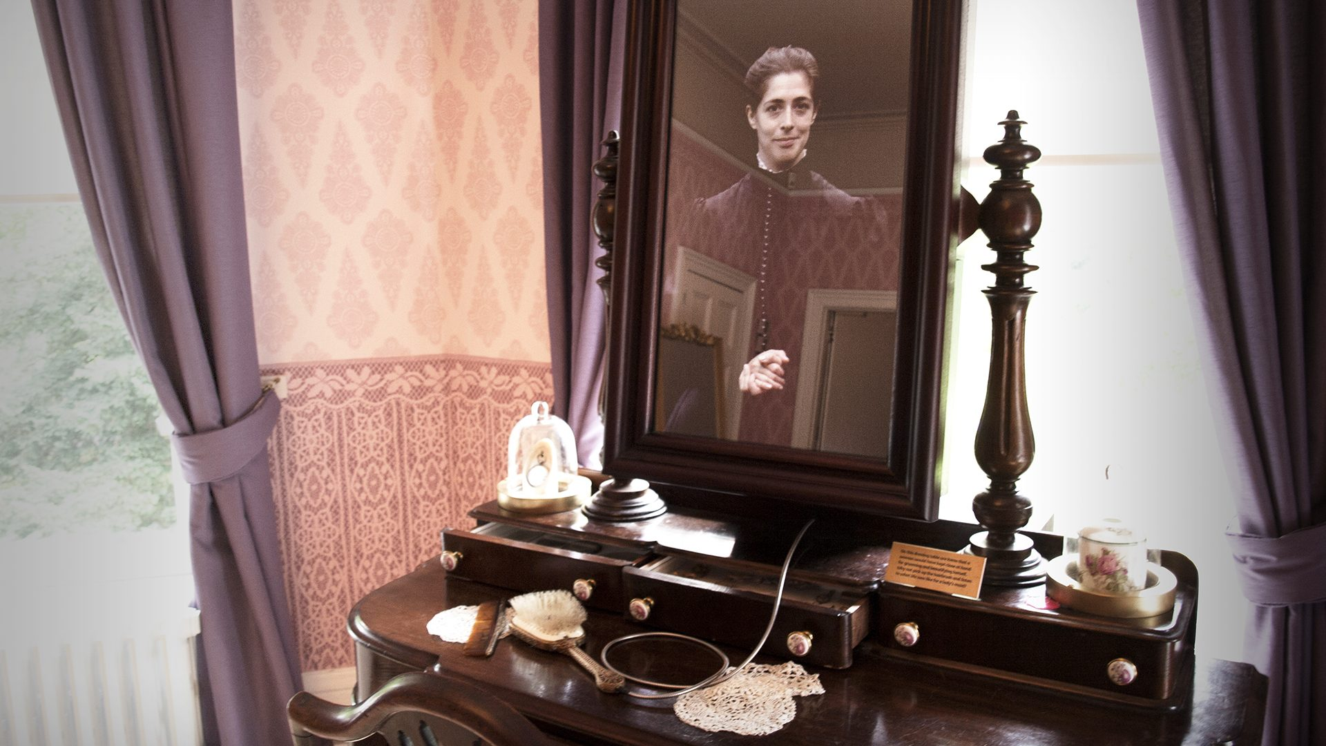 Wardown House dressing table